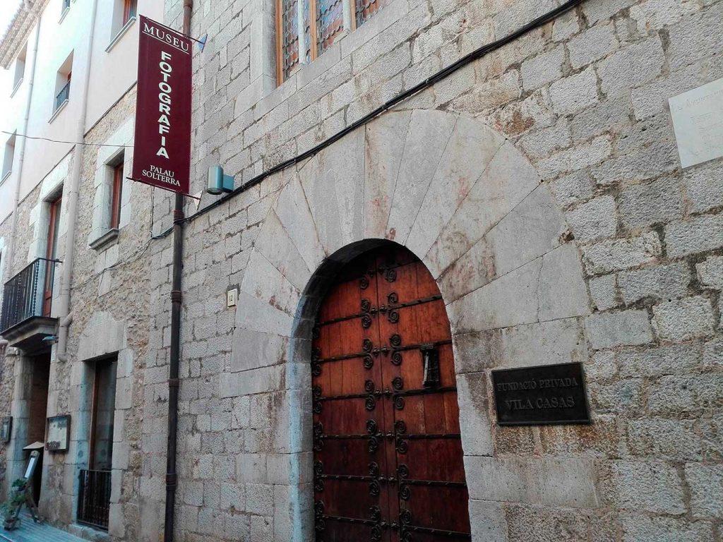 Façana del Palau Solterra. Fundació Vila Casas