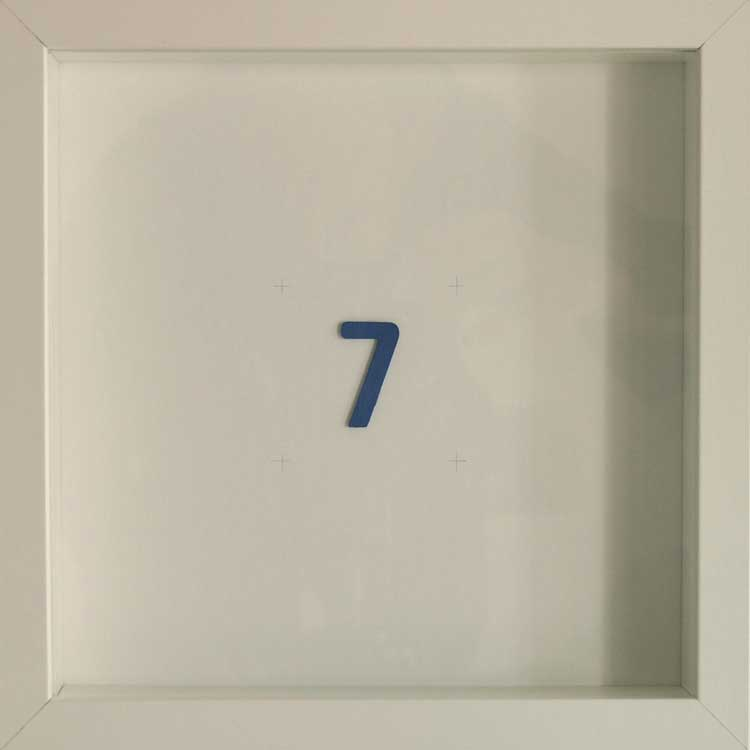 Artpiece: Color of the numbers - The number 7, the indigo one